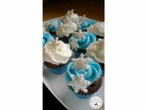 Frozen theme mini cupcakes